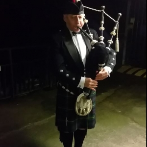 Burns, Bagpiping, Barry-Island,