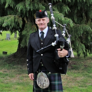 Western-Cemetery-Ely-Cardiff, Funeral, Bagpipes,