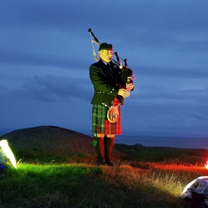 Memorial-Bagpipes, Finns-Foundation, Barry-Island,