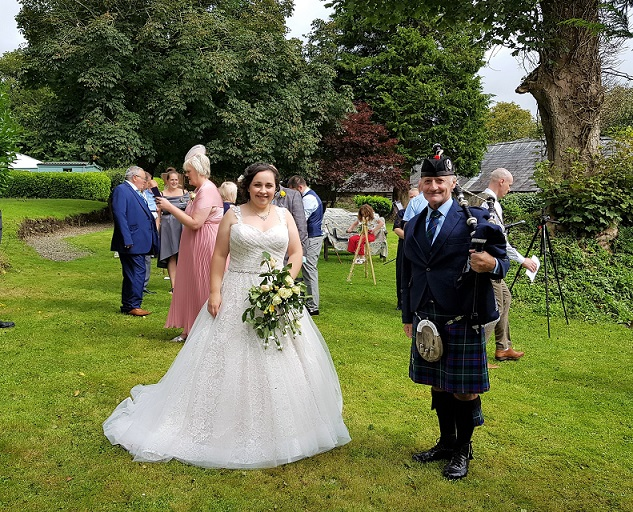 Bagpiping for assembling guests, Jessica & Paul, Renewal of Wedding Vows. 26th Aug, 2020.