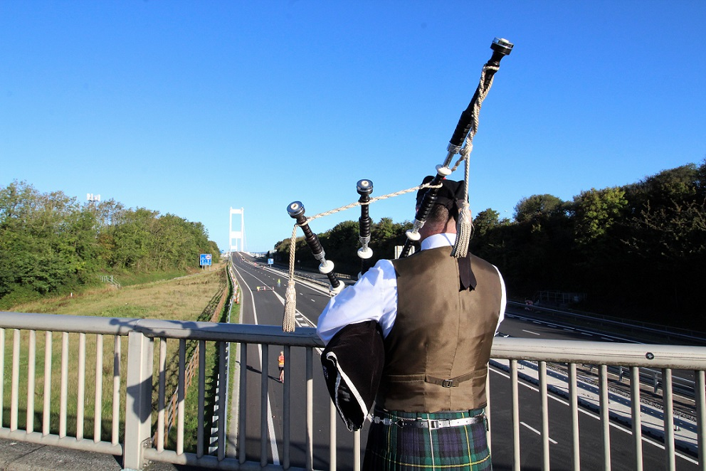 Severn-Bridge-10K, Time-Trial, with-Bagpipes,