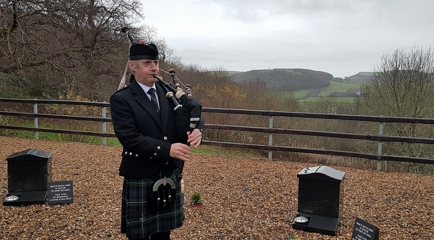 Funeral-Bagpipes, Aberystwyth-Crematorium,