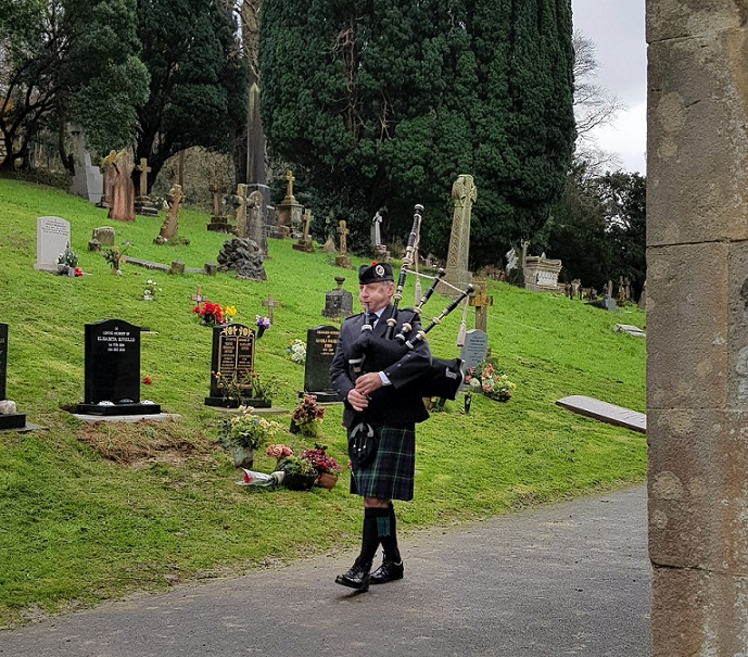 Funeral-Bagpiping, Glastonbury-Cemetery,