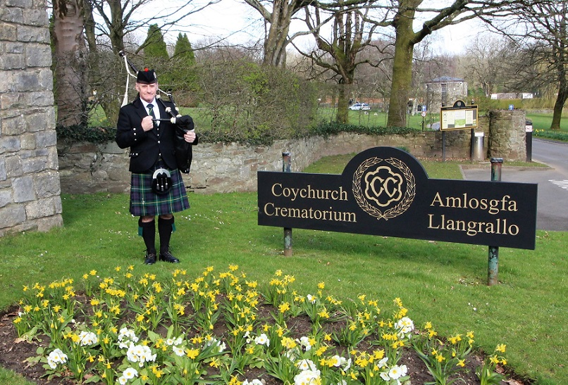 Funeral-Bagpipes, Coychurch-Crematorium,