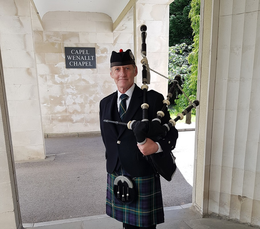 Bagpiping-Thornhill-Cardiff-Funeral,