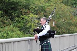 Bagpiping-Severn-Bridge-10K-Half-Marathon,