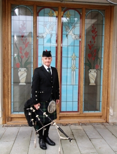 Funeral-Bagpiping, Briwnant-Thornhill-Cemetery,