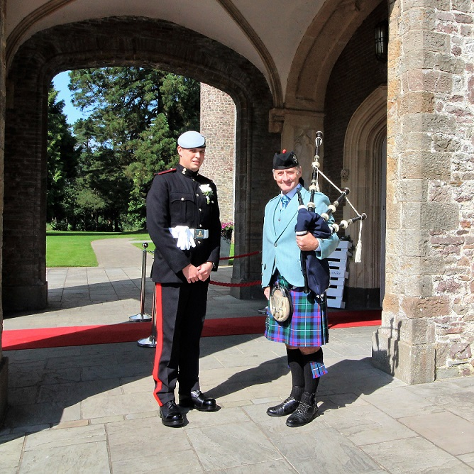Wedding-Bagpipes-Hensol-Castle,