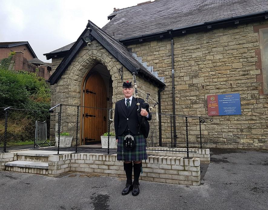 Funeral-Bagpipes StMaryBrynmawr Blaina-Cemetery