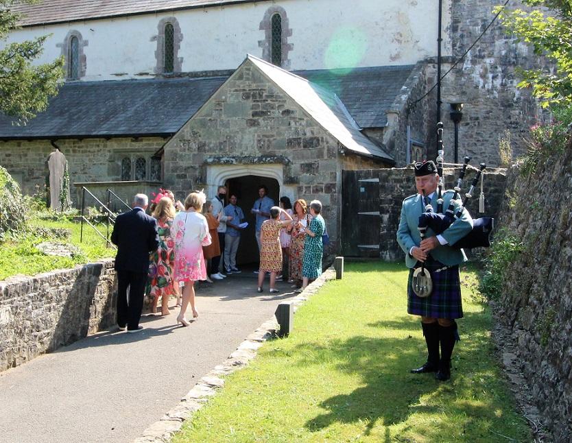 Wedding-Bagpipes-Ewenny-,Priory-Church-Bridgend