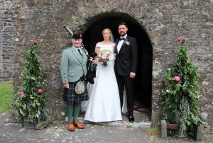 Wedding-Bagpipes-Pembs-Natalie-Richard