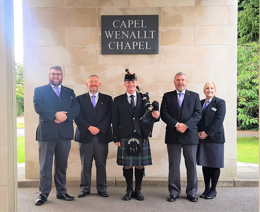 Funeral-Bagpipes-Thornhill-Cardiff,
